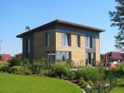 Fenster sind bei Passivhäusern entscheidend. Beim Components Award 2015 geht es um Passivhaus-Fenster, die bei Sanierungen eingesetzt werden können. (Im Bild ein Passivhaus aus Westerstede. Foto: Christian Gauler )
